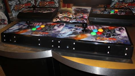 Arcade sticks get social with linkable Street Fighter X
