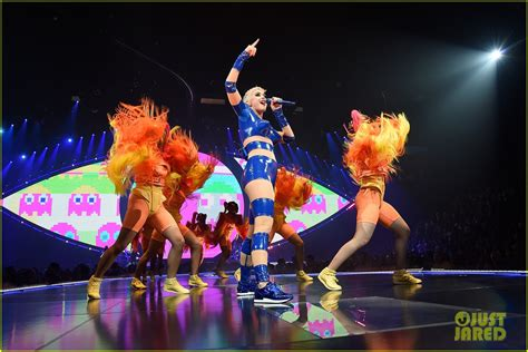 Katy Perry Launches 'Witness Tour' - See Set List & Photos