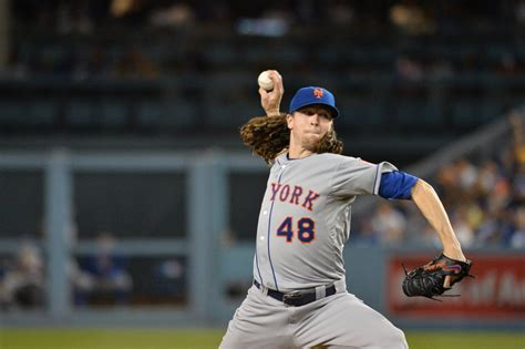 Jacob deGrom strikes out 13 and outduels Clayton Kershaw