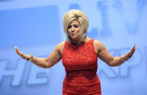 Review: 'Long Island Medium' takes her show on the road