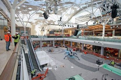 Huge crowds expected as London's biggest mall opens