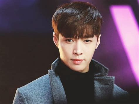 Lay (EXO) Profile and Facts; Lay's Ideal Type (Updated!)