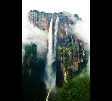 A Lost World Where Angel Falls Plunges off Devil's