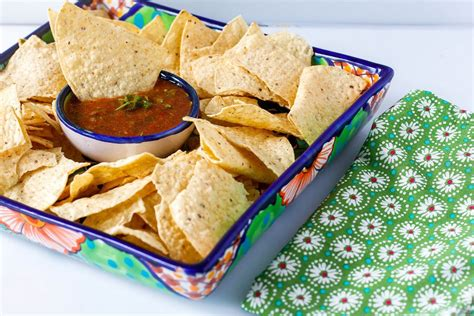 Salsa with chips - Creative Commons Bilder