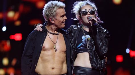 """Miley Cyrus joins Billy Idol for """"Rebel Yell"""" at iHeart"""